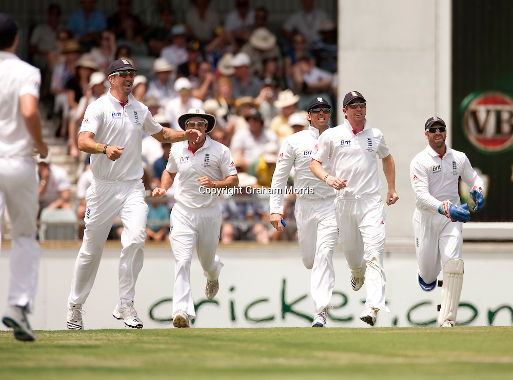 England players celebrate a Chris Tremlett wicket during the third Ashes test match between Australia and England at the WACA (West Australian Cricket Association) ground in Perth, Australia. Photo: Graham Morris (Tel: +44(0)20 8969 4192 Email: sales@cricketpix.com) 16/12/10