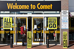 © Licensed to London News Pictures.  08/11/2012. AYLESBURY, UK. Comet, the struggling electronics retailer, begins liquidating its stock at discounted prices after entering administration. The everything must go firesale began at 9am today.  Photo credit: Cliff Hide/LNP