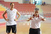 DESCRIZIONE : Roma Lega Basket A 2012-13  Allenamento Virtus Roma<br /> GIOCATORE : Marco Calvani Alessandro Tonolli<br /> CATEGORIA : curiosita mani<br /> SQUADRA : Virtus Roma <br /> EVENTO : Campionato Lega A 2012-2013 <br /> GARA :  Allenamento Virtus Roma<br /> DATA : 28/08/2012<br /> SPORT : Pallacanestro  <br /> AUTORE : Agenzia Ciamillo-Castoria/GiulioCiamillo<br /> Galleria : Lega Basket A 2012-2013  <br /> Fotonotizia : Roma Lega Basket A 2012-13  Allenamento Virtus Roma<br /> Predefinita :