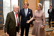 Staatsbezoek van Koning Willem Alexander en Koningin Máxima aan het Verenigd Koninkrijk<br /> <br /> Statevisit of King Willem Alexander and Queen Maxima to the United Kingdom<br /> <br /> Op de foto / On the photo: Koning Willem Alexander en Koningin Maxima hebben een Ontmoeting met oppositieleider Corbyn in room 1844 in  Buckingham Palace<br /> <br /> King Willem Alexander and Queen Maxima have a Meeting with opposition leader Corbyn in room 1844 at Buckingham Palace