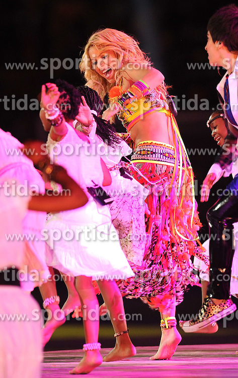 11.07.2010, Soccer-City-Stadion, Johannesburg, RSA, FIFA WM 2010, Finale, Niederlande (NED) vs Spanien (ESP) im Bild Shakira bei der Schlusszeremonie der FIFA Weltmeisterschaft 2010 in Südafrika, EXPA Pictures © 2010, PhotoCredit: EXPA/ InsideFoto/ Perottino *** ATTENTION *** FOR AUSTRIA AND SLOVENIA USE ONLY! / SPORTIDA PHOTO AGENCY