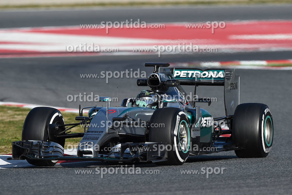 27.02.2015, Circuit de Catalunya, Barcelona, ESP, FIA, Formel 1, Testfahrten, Barcelona, Tag 2, im Bild Nico Rosberg (GER) Mercedes AMG F1 W06 // during the Formula One Testdrives, day two at the Circuit de Catalunya in Barcelona, Spain on 2015/02/27. EXPA Pictures &copy; 2015, PhotoCredit: EXPA/ Sutton Images/ Mark Images<br /> <br /> *****ATTENTION - for AUT, SLO, CRO, SRB, BIH, MAZ only*****