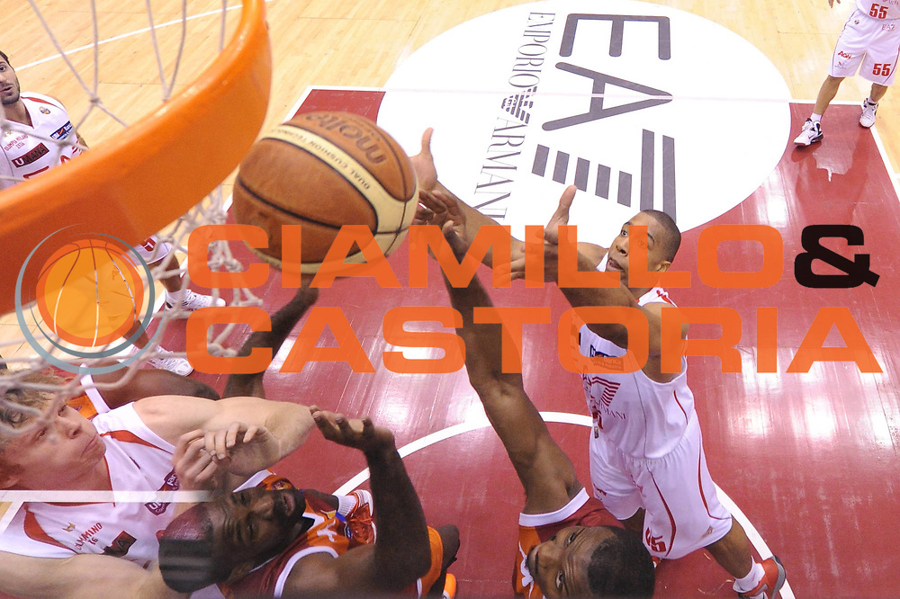 DESCRIZIONE : Milano Lega A 2012-13 EA7 Emporio Armani Milano Acea Roma<br /> GIOCATORE : Gani Lawal<br /> CATEGORIA : special rimbalzo<br /> SQUADRA : Acea Roma<br /> EVENTO : Campionato Lega A 2012-2013 <br /> GARA : EA7 Emporio Armani Milano Acea Roma<br /> DATA : 22/10/2012<br /> SPORT : Pallacanestro <br /> AUTORE : Agenzia Ciamillo-Castoria/GiulioCiamillo<br /> Galleria : Lega Basket A 2012-2013  <br /> Fotonotizia :  Milano Lega A 2012-13 EA7 Emporio Armani Milano Acea Roma<br /> Predefinita :