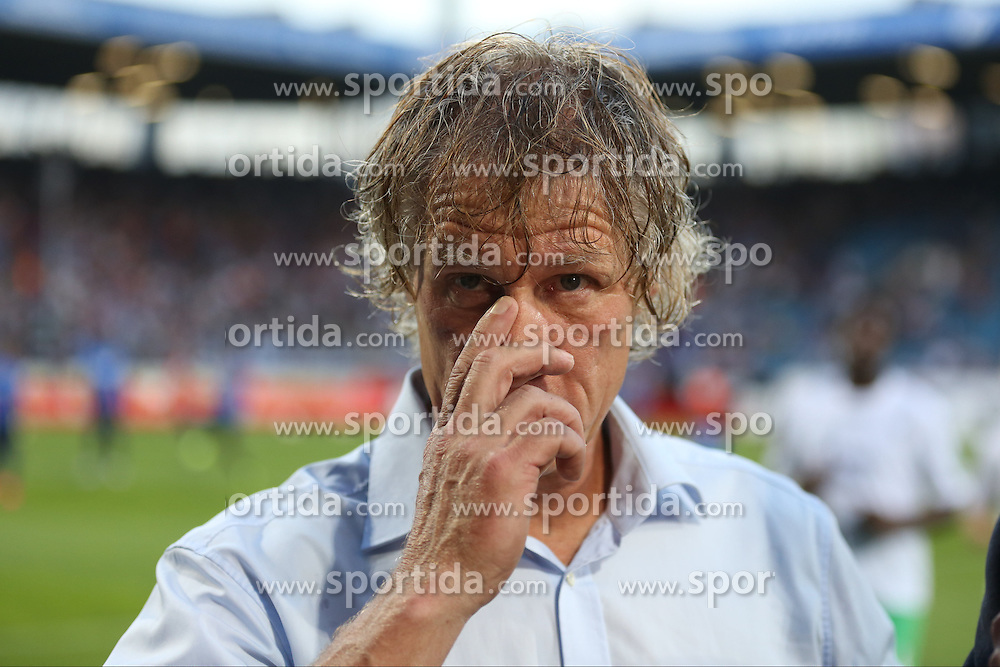 31.08.2015, Rewirpower Stadion, Bochum, GER, 2. FBL, VfL Bochum vs TSV 1860 Muenchen, 5. Runde, im Bild Trainer Gertjan Verbeek (VfL Bochum) // during the 2nd German Bundesliga 5th round match between VfL Bochum and TSV 1860 Muenchen at the Rewirpower Stadion in Bochum, Germany on 2015/08/31. EXPA Pictures &copy; 2015, PhotoCredit: EXPA/ Eibner-Pressefoto/ Schueler<br /> <br /> *****ATTENTION - OUT of GER*****