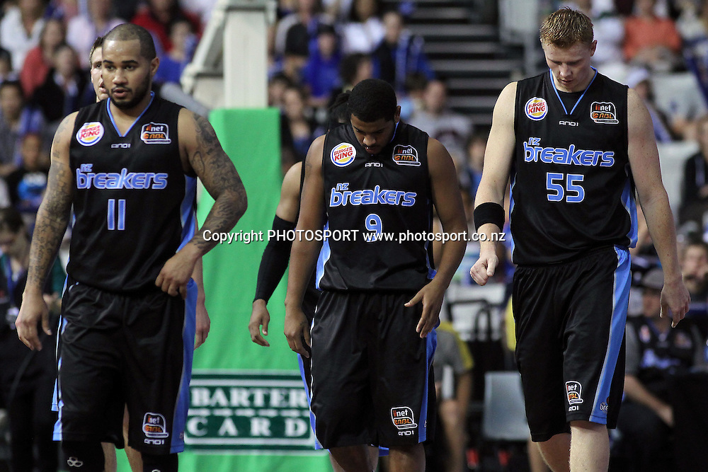 A dejected Breakers squad. iinet ANBL, Semi-Finals Game 1, New Zealand Breakers vs Perth Wildcats, North Shore Events Centre, Auckland, New Zealand. Thursday 7th April 2011. Photo: Anthony Au-Yeung / photosport.co.nz