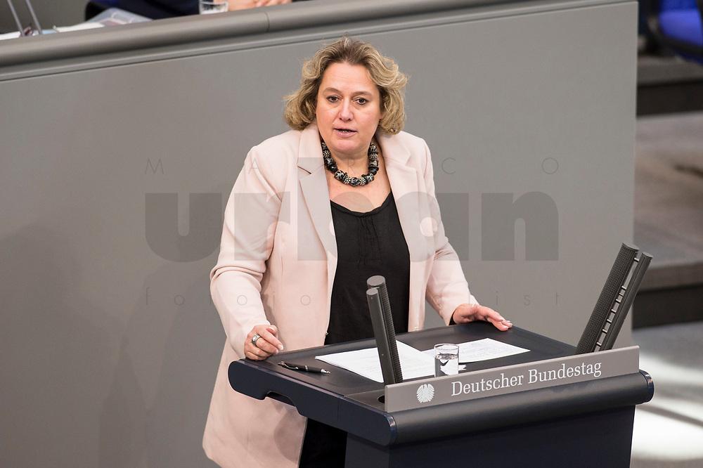 24 MAR 2017, BERLIN/GERMANY:<br /> Kerstin Tack, MdB, SPD, waehrend der Bundestagesdebatte zum Teilhabebericht der Bundesregierung 2016, Plenum, Deutscher Bundestag<br /> IMAGE: 20170324-01-074