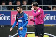 (L-R) *Alireza Jahanbakhsh* of AZ Alkmaar, referee *Bas Nijhuis*