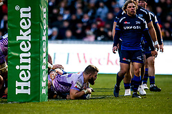 Luke Cowan-Dickie of Exeter Chiefs scores a try - Mandatory by-line: Robbie Stephenson/JMP - 08/12/2019 - RUGBY - AJ Bell Stadium - Manchester, England - Sale Sharks v Exeter Chiefs - Heineken Champions Cup