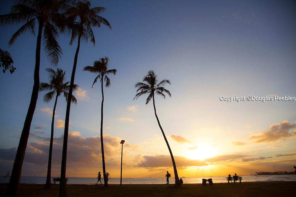 Magic Island at sunset, Ala Moana, Waikiki, Honolulu, Oahu, Hawaii