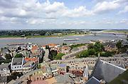 Nederland, Nijmegen, 22-8-2012Panorama van de stad aan de waal vanaf de St. Stevenskerk. Rivier in de richting van Lent en de Waalsprong, stadsuitbreiding.Foto: Flip Franssen