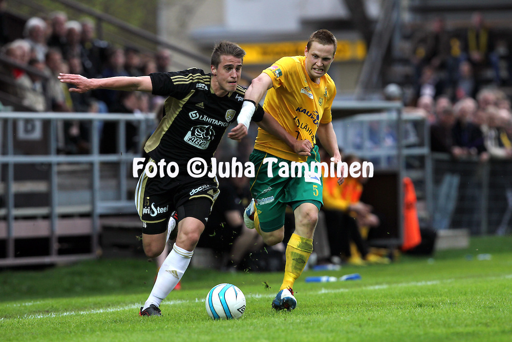 13.5.2013, Tammelan stadion, Tampere..Ykkönen 2013, Ilves - Seinäjoen Jalkapallokerho..Kim Palosaari (SJK) v Antti Ojanperä (Ilves)..