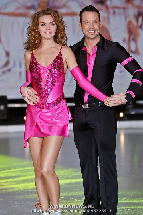 NLD/Utrecht/20110126 - Perspresentatie Sterren Dansen op het IJs 2011, Kim Feenstra en Kevin Steffan