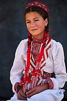 Tadjikistan, Asie centrale, Gorno Badakhshan, Haut Badakhshan, le Pamir, vallée du Wakhan, portrait d'une jeune fille Ismaelienne // Tajikistan, Central Asia, Gorno Badakhshan, the Pamir, Wakhan valley, Ismaeli girl portrait