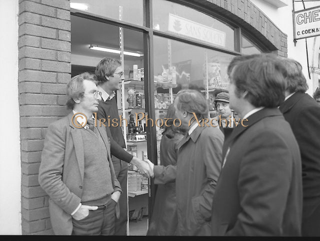 Image of Fianna Fáil leader Charles Haughey touring West Cork during his 1982 election campaign...04/02/1982.02/04/82.4th February 1982..The Haughey Handshake: ..Fianna Fáil  leader on the campaign trail as he pursues the endorsement of the West Cork electorate. ..