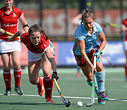 Canterbury's Grace Balsdon challenges with Hamburg's Lisa Altenburg during their opening game of the EHCC 2017 at Den Bosch HC, The Netherlands, 2nd June 2017