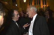 Ian Mckewan and Michael Frayn. The Booker prize 2000. Guildhall, London EC2. 7 November 2000. © Copyright Photograph by Dafydd Jones 66 Stockwell Park Rd. London SW9 0DA Tel 020 7733 0108 www.dafjones.com