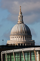 st paul's cathedral and modern architecture