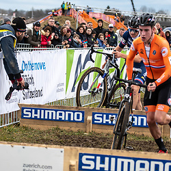 20190201: UCI CX Worlds : Dübendorf: Ryan Kamp and Antoine Benoiste batteling at the planks