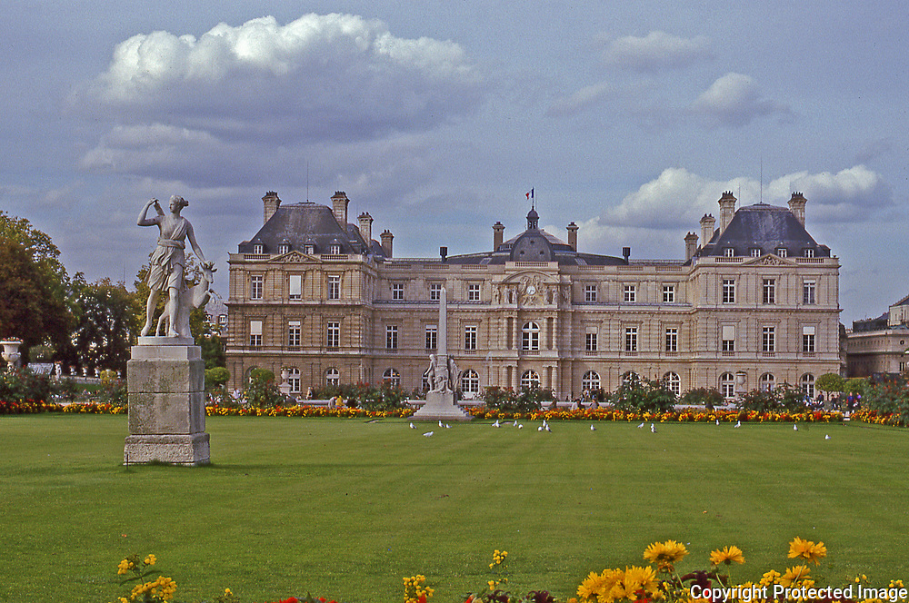 Jardin du Luxembourg one of the public gardens on the Left Bank of Paris, Luxembourg Gardens