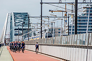 NIJMEGEN - Koning Willem-Alexander bij de opening van het internationaal fietscongres Velo-city 2017. Het congres staat in het teken van kennisdeling en -uitwisseling over fietsinfrastructuur, fietsbeleid en duurzame mobiliteit. ANP ROYAL IMAGES ROBIN UTRECHT