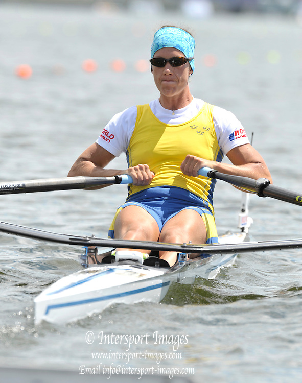 Hamilton, NEW ZEALAND.   SWE W1X. Frida SVENSSON. semi final women's single sculls, at the 2010 World Rowing Championships - Lake Karapiro. Thursday - 04.11.2010.  [Mandatory Credit Peter Spurrier:Intersport Images].