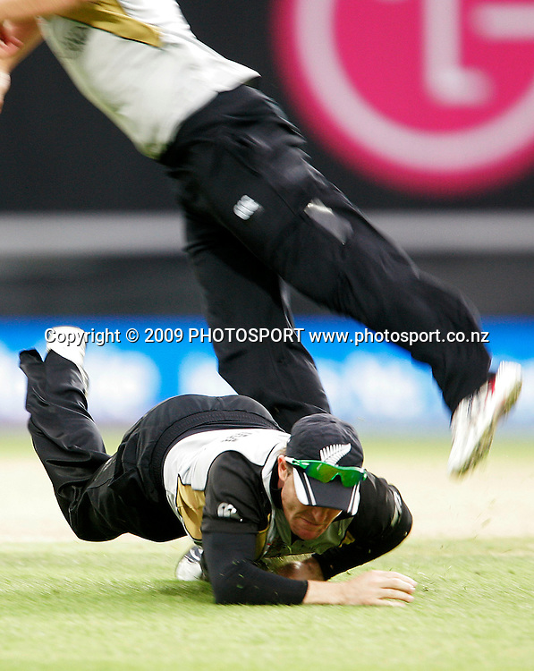 New Zealand's Brendon McCullum collides with team mate Neil Broom during the ICC World Twenty20 Cup match between the New Zealand Black Caps and Pakistan at the Oval, London, England, 13 June, 2009. Photo: PHOTOSPORT