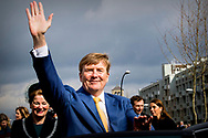 MAASTRICHT - King Willem-Alexander attends a meeting in Maastricht on Thursday March 29, 2018 to mark the completion of A2 Maastricht and the realization of the Groene Loper. He is doing the opening of the Green Carpet. Minister Van Nieuwenhuizen of Infrastructure and Water Management is present. ROBIN UTRECHT<br /> <br /> <br /> MAASTRICHT - Koning Willem-Alexander woont donderdagochtend 29 maart 2018 in Maastricht een bijeenkomst bij ter markering van het gereedkomen van A2 Maastricht en de realisatie van de Groene Loper. Hij verricht de opening van de Groene Loper. Minister Van Nieuwenhuizen van Infrastructuur en Waterstaat is hierbij aanwezig.ROBIN UTRECHT