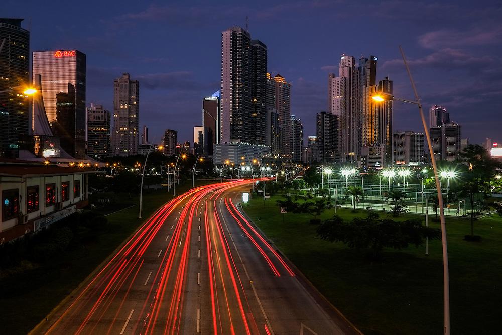PANAMA CITY / CIUDAD DE PANAMA<br /> Photography by Aaron Sosa.<br /> Nocturnal Photography / Fotograf&iacute;a Nocturna<br /> Cinta Costera, Panama City - Panama 21-12-2014<br /> (Copyright &copy; Aaron Sosa)
