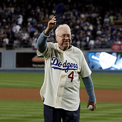 Former Dodger Duke Snider waves to  the crowd before a National League Division Series baseball game between the Chicago Cubs and the Los Angeles Dodgers on Saturday October 4, 2008, at Dodger Stadium. (SGVN/Staff Photo by Keith Birmingham/SPORTS)