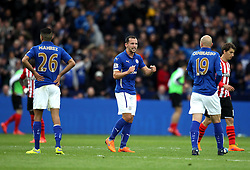 Leicester City's Daniel Drinkwater motivates Leicester City's Riyad Mahrez and Leicester City's Esteban Cambiasso - Photo mandatory by-line: Robbie Stephenson/JMP - Mobile: 07966 386802 - 09/05/2015 - SPORT - Football - Leicester - King Power Stadium - Leicester City v Southampton - Barclays Premier League
