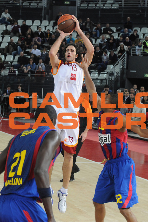 DESCRIZIONE : Roma Eurolega 2010-11 Top 16 Lottomatica Virtus Roma Regal Barcelona Barcellona<br /> GIOCATORE : Luigi Datome<br /> SQUADRA : Lottomatica Virtus Roma <br /> EVENTO : Eurolega 2010-2011<br /> GARA : Lottomatica Virtus Roma Regal Barcelona Barcellona Barcelona<br /> DATA : 17/02/2011<br /> CATEGORIA : Tiro Three Points<br /> SPORT : Pallacanestro <br /> AUTORE : Agenzia Ciamillo-Castoria/ElioCastoria<br /> Galleria : Eurolega 2010-2011<br /> Fotonotizia : Roma Eurolega 2010-11 Top 16 Lottomatica Virtus Roma Regal Barcelona Barcellona<br /> Predefinita :