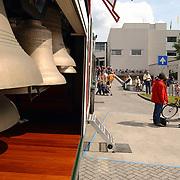 opening cultureel festival Soest, kerk bellen in truck