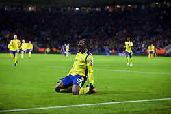 LEICESTER, ENGLAND - Boxing Day Monday, December 26, 2016: Everton's Romelu Lukaku celebrates scoring the second goal against Leicester City during the FA Premier League match at Filbert Way. (Pic by David Rawcliffe/Propaganda)
