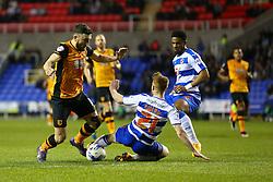 Stephen Quinn of Reading tackles Robert Snodgrass of Hull City - Mandatory byline: Jason Brown/JMP - 07966 386802 - 19/04/2016 - FOOTBALL - Madejski Stadium - Reading, England - Reading v Hull City - Sky Bet Championship