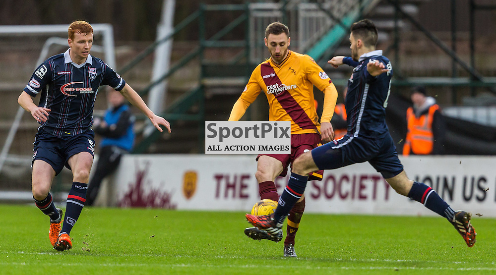 Scott Boyd and Marcus Fraser surround Louis Moult during the match between Motherwell and Ross County (c) ROSS EAGLESHAM | Sportpix.co.uk
