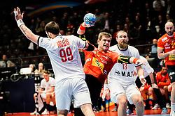 16.01.2020, Wiener Stadthalle, Wien, AUT, EHF Euro 2020, Spanien vs Tschechische Republik, Hauptrunde, Gruppe I, im Bild v. l. Jan Mojzis (CZE), Julen Aguinagalde Aquizu (ESP), Pavel Horak (CZE) // f. l. Jan Mojzis (CZE) Julen Aguinagalde Aquizu (ESP) Pavel Horak (CZE) during the EHF 2020 European Handball Championship, main round group I match between Spain and Czech Republic at the Wiener Stadthalle in Wien, Austria on 2020/01/16. EXPA Pictures © 2020, PhotoCredit: EXPA/ Florian Schroetter