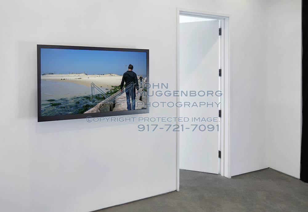 """Peter Campus' """"pause"""" installation at Cristin Tierney gallery in Chelsea."""
