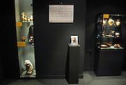Nederland, Wijchen, 7-10-2006..Archeologische collectie van een amateur archeoloog is door zijn erven geschonken aan een regionaal oudheidkundig museum...Foto: Flip Franssen/Hollandse Hoogte