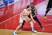 DESCRIZIONE : Varese FIBA Eurocup 2015-16 Openjobmetis Varese Telenet Ostevia Ostende<br /> GIOCATORE : Brandon Davies<br /> CATEGORIA : Palleggio<br /> SQUADRA : Openjobmetis Varese<br /> EVENTO : FIBA Eurocup 2015-16<br /> GARA : Openjobmetis Varese - Telenet Ostevia Ostende<br /> DATA : 28/10/2015<br /> SPORT : Pallacanestro<br /> AUTORE : Agenzia Ciamillo-Castoria/M.Ozbot<br /> Galleria : FIBA Eurocup 2015-16 <br /> Fotonotizia: Varese FIBA Eurocup 2015-16 Openjobmetis Varese - Telenet Ostevia Ostende