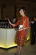 Erin O'Connor. British Fashion awards 2005. V. & A. Museum. Cromwell Rd. London.   10  November 2005 . ONE TIME USE ONLY - DO NOT ARCHIVE © Copyright Photograph by Dafydd Jones 66 Stockwell Park Rd. London SW9 0DA Tel 020 7733 0108 www.dafjones.com