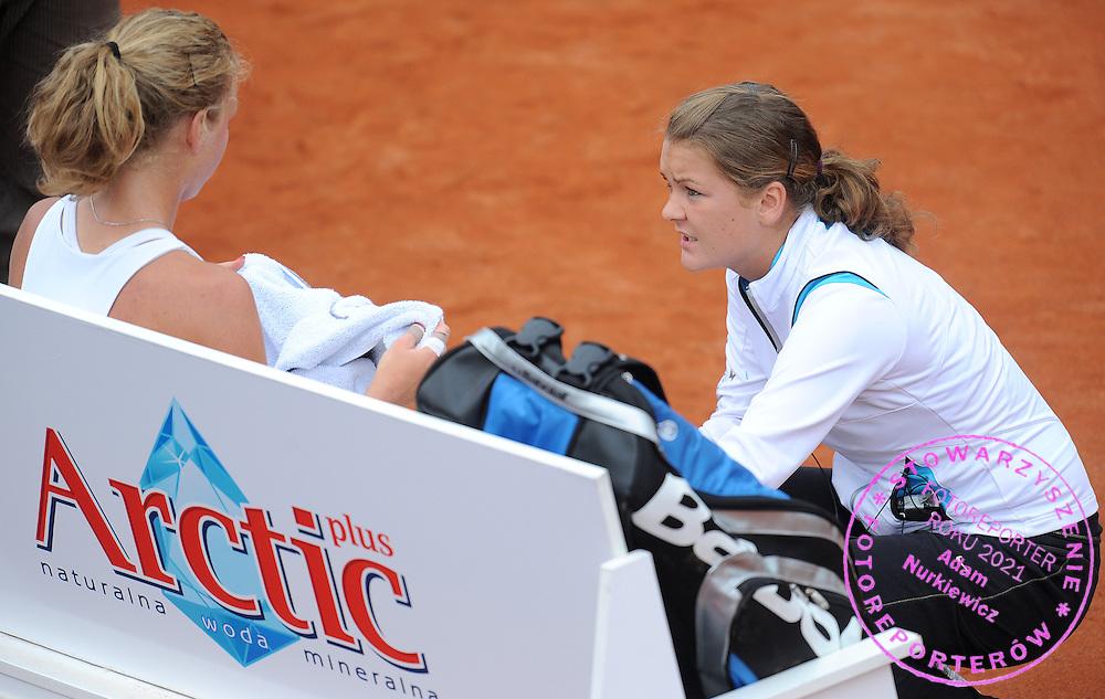 (L) URSZULA RADWANSKA & (R) AGNIESZKA RADWANSKA  BOTH FROM POLAND DURING FIRST ROUND TENNIS SONY ERICSSON WTA TOUR TOURNAMENT WARSAW OPEN 2009 IN WARSAW, POLAND...WARSAW , POLAND , MAY 19, 2009..( PHOTO BY ADAM NURKIEWICZ / MEDIASPORT )