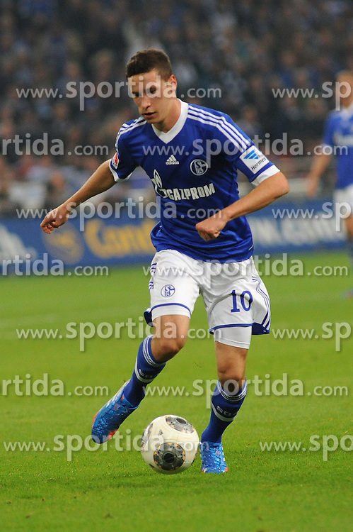 21.09.2013, Veltins Arena, Gelsenkirchen, GER, 1. FBL, Schalke 04 vs FC Bayern Muenchen, 6. Runde, im Bild Julian Draxler ( Schalke 04/ Freisteller ) // during the German Bundesliga 6th round match between Schalke 04 and FC Bayern Munich at the Veltins Arena, Gelsenkirchen, Germany on 2013/09/21. EXPA Pictures &copy; 2013, PhotoCredit: EXPA/ Eibner/ Thomas Thienel<br /> <br /> ***** ATTENTION - OUT OF GER *****