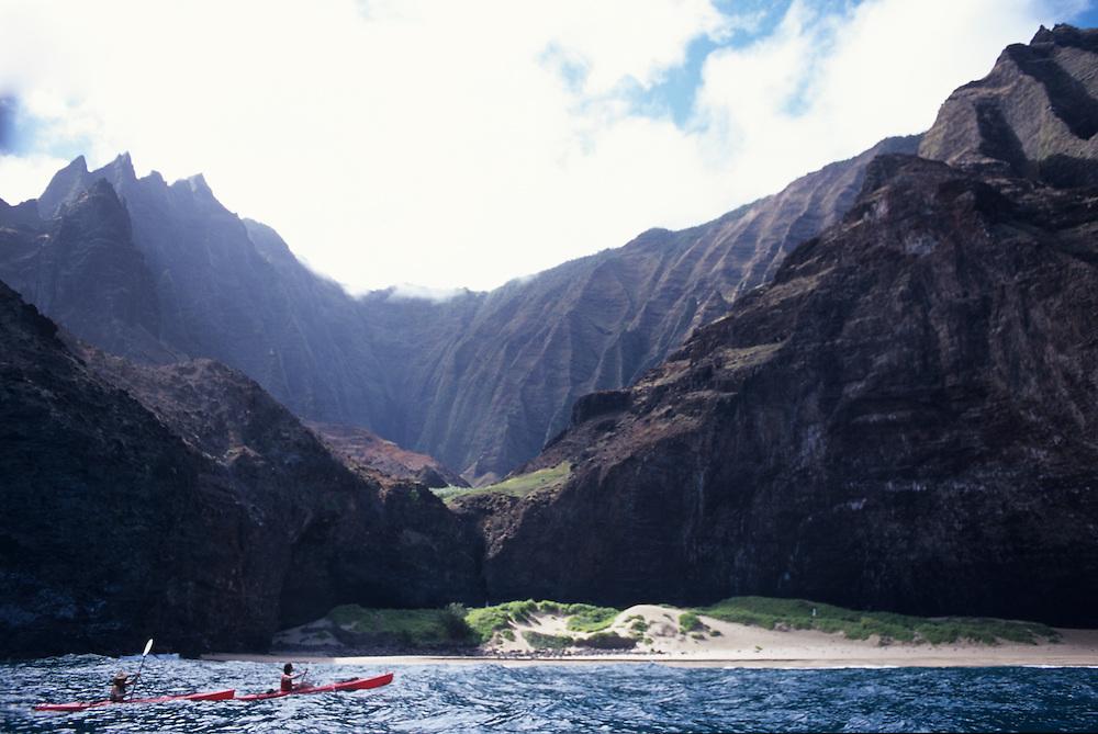 Hawaii, Kauai, Napali, Kalalau, kayaking Napali Coast to Kalalau Valley and onto Polihale Beach