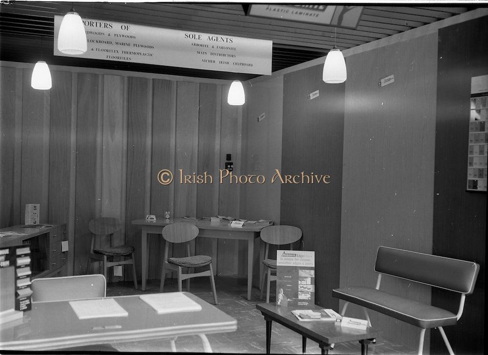 08/08/1962<br /> 08/08/1962<br /> 08 August 1962 <br /> Dublin Horse show at the RDS, Ballsbridge, Dublin, Wednesday. Doyle and O'Sullivan Stand at the RDS Horse Show. Furniture and building materials.