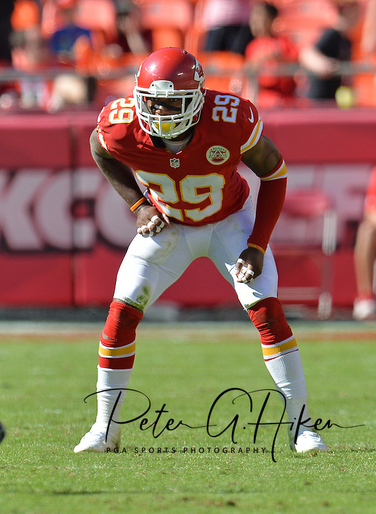 KANSAS CITY, MO - SEPTEMBER 29:  Safety Eric Berry #29 of the Kansas City Chiefs gets set on defense against the New York Giants during the second half on September 29, 2013 at Arrowhead Stadium in Kansas City, Missouri.  (Photo by Peter G. Aiken/Getty Images) *** Local Caption *** Eric Berry