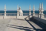Portugal. Lisbon. Alfama . San Vicente da Fora church terrace / terrasse sur le toit de San Vicente da Fora.  le quartier de l'Alfama . Lisbonne