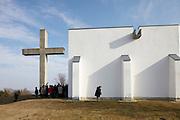 Gedenkstätte Schlösselberg bei Mogersdorf, Bezirk Güssing, Burgenland.Architektur: Ottokar Uhl.Erbaut: 1964