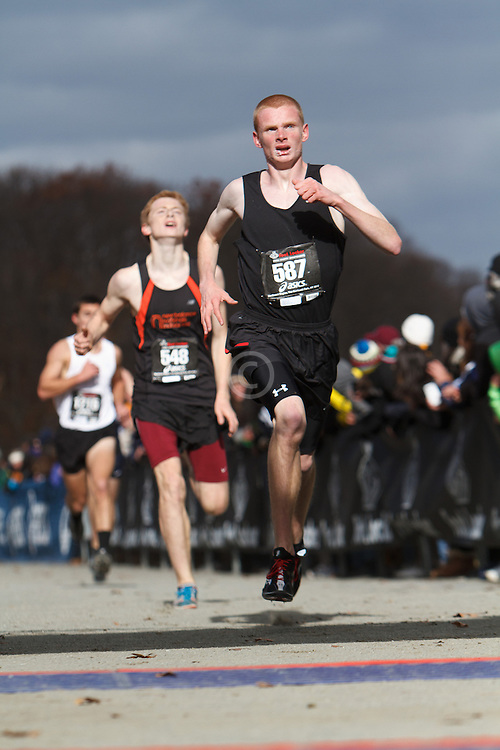Foot Locker Cross Country Northeast Regional Championship race, Paul Hogan, MA leads Dan Curts, ME to finish line