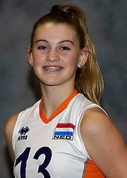 24-12-2019 NED: Photoshoot selection of Orange Youth Girls, Arnhem<br /> Orange Youth Girls 2019 - 2020 / Pippa Molenaar #13