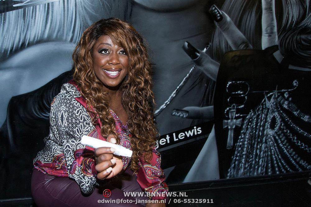 NLD/Amsterdam/20140415 - DVD presentatie Ladies of Soul, Berget Lewis
